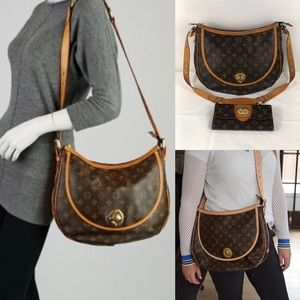 😘DISCONTINUED😘 crossbody Louis Vuitton & wallet